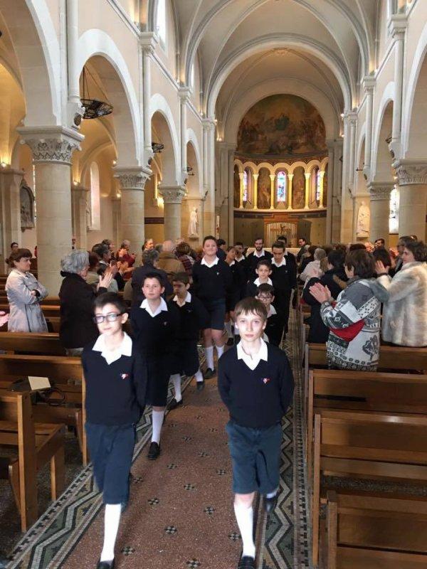 Les Moineaux du Val de Marne - Sortie de concert accompagné d'une standing ovation – à Lamotte-Beuvron, Centre, France.