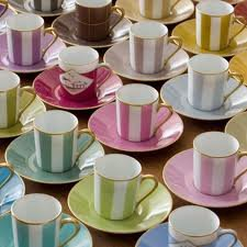 Qui boit du thé quand il faut chaud ?