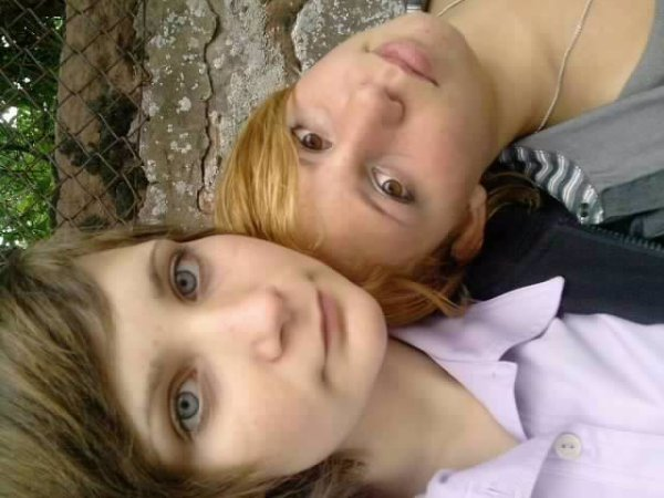 moi jsui la blonde et toi t ma chewiee j t'aime que d bn momen ak toi <3