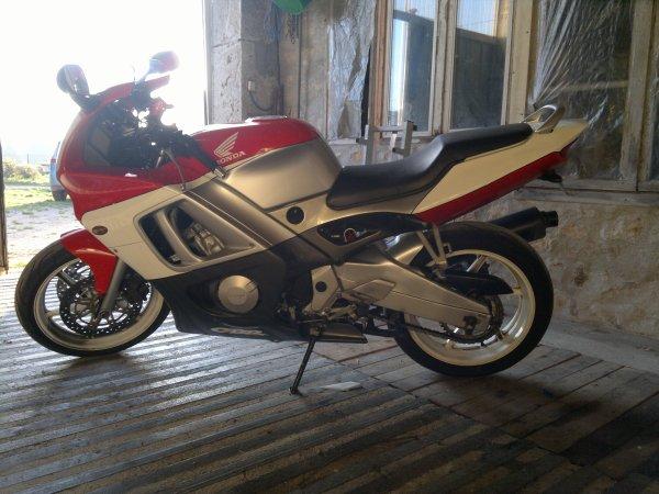 ma nouvelle moto 600 cbr f