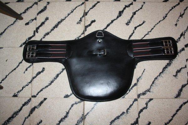 NEUF  bavette courte en cuir noir