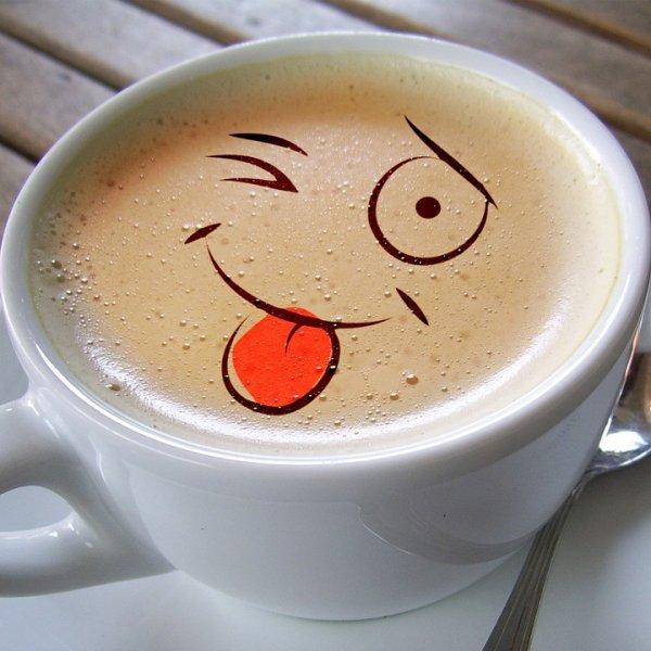 Un petit coucou du matin accompagné d'un bon bol de café rien de tel pour bien démarrer la journée avec un nuage de bonne humeur , un petit sourire accroché au lévres, bisous  fleur-de-lys.