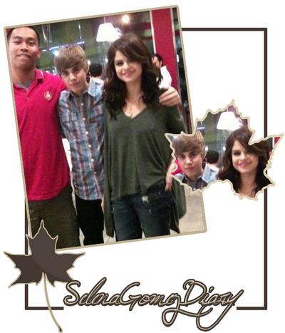 .  Selena a posté ses photos récemment sur son Twitter . .  Petit + : Le clip « A Year Without Rain » va être tourné en espagnole ce qui donne « Un Año Sin Ver Llover »  :) .