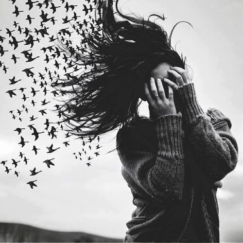 Ce qui est violent, ce n'est pas le temps qui passe, c'est l'effacement des sentiments et des émotions. Comme s'ils n'avaient jamais existé.