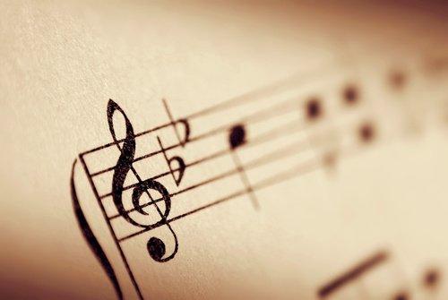 La musique est avant tout la base de l'existence pour apaiser nos esprits, ravagés par des idées confuses.