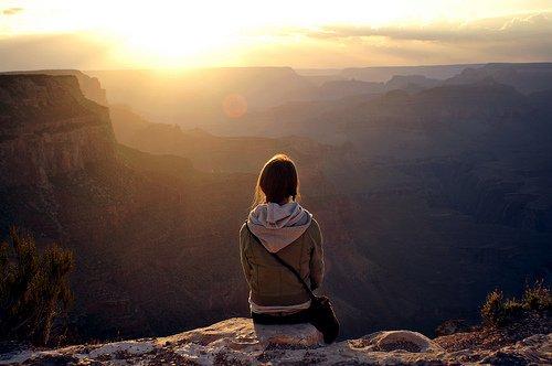 Aimer c'est prendre le risque d'être malheureux. Rester solitaire, c'est l'assurance de l'être.