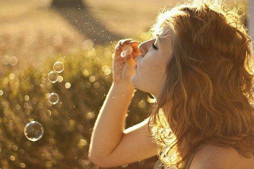 J'ai fait dans ma vie des rêves dont le souvenir ne m'a plus jamais quittée et qui ont changé mes idées : ils se sont infiltrés en moi, comme le vin dans l'eau, et ont altéré la couleur de mon esprit.