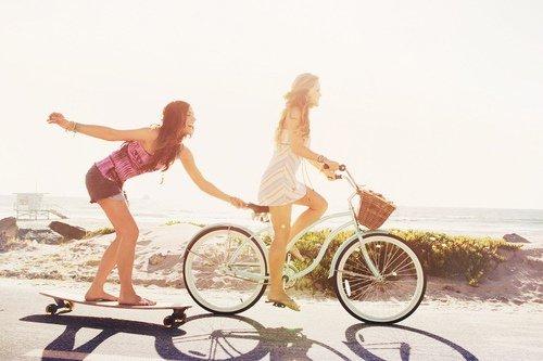 Il n'y a pas d'amis, il n'y a que des moments d'amitié.
