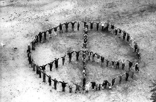 Le grand ennemi de la paix entre les hommes, c'est l'amour-propre.