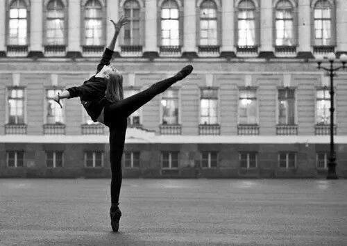 La danse, mieux qu'aucun autre des arts, peut nous livrer l'essentiel des mythes.