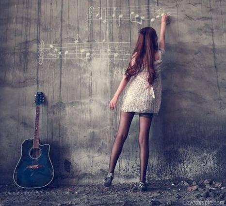 A mon sens, la musique renforce, aussi bien dans la joie que dans le drame, les sentiments.