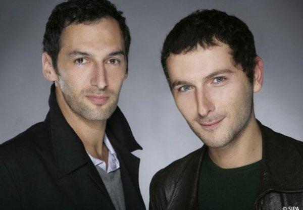AaRON est un duo français, né de la rencontre entre Simon Buret et d'Olivier Coursier.