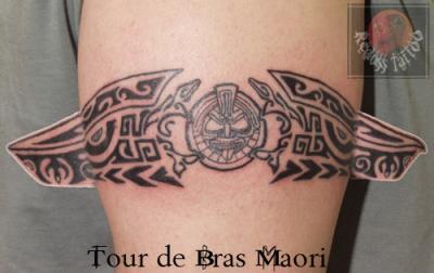 Tatouage Tour De Bras Homme Tribal
