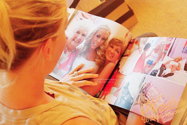 . __ DIVERS ||_____________ Kendra a publié sur son site un article à propos de son mariage . _____________ Ce n'est pas dans mes habitudes de mettre sur le blog des photos, articles ou vidéos provenant du site _____________de Kendra. Mais j'ai eu un coup de c½ur. L'album de leur mariage est magnifique . Je vous laisse voir :      _________________________________________________________________