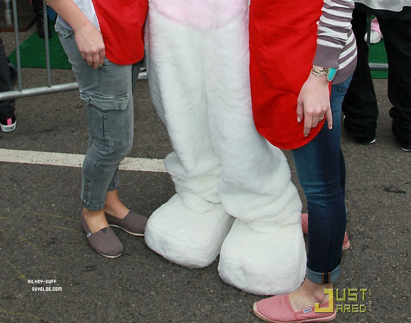 Easter Celebrity Charity • • • _________________________________________________________________________________________________ ________HTTP://HIL4RY-DUFF.SKYBLOG.COM
