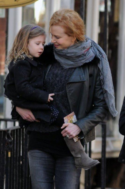 Nicole Kidman & Keith Urban Shop With Sunday