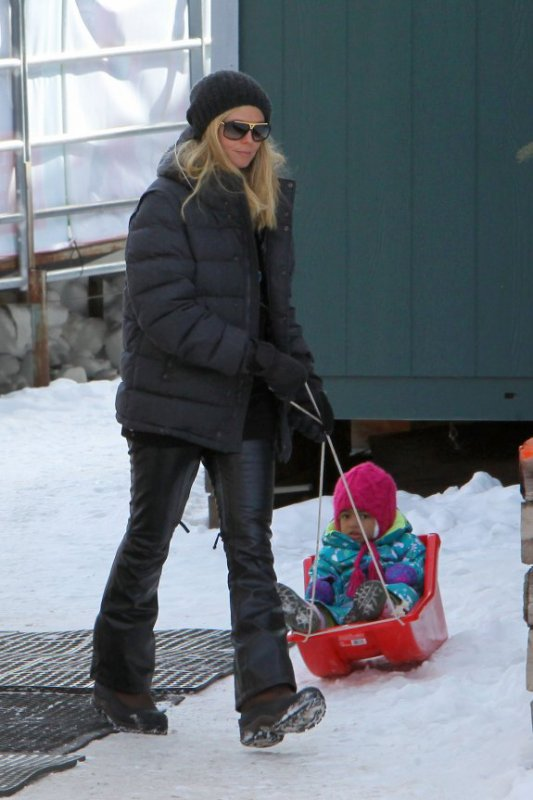 Heidi Klum & Seal Hit The Slopes With The Kids