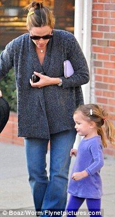 Jennifer Garner with her daughter Violet & Seraphina