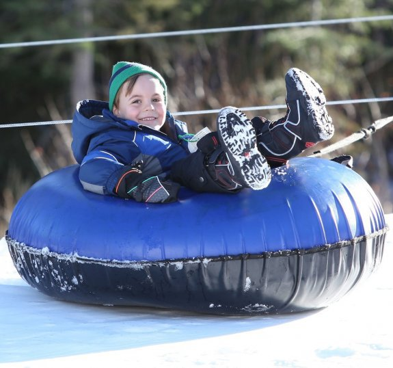 Former backup dancer Kevin Federline hit the slopes with son Sean Preston, 6, during a family trip to Lake Tahoe, Calif. on Monday (December 26)