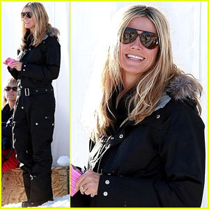 Heidi Klum rocks her ski gear as she waits for her group to head up Buttermilk Mountain on Friday (December 30) in Aspen, Colo