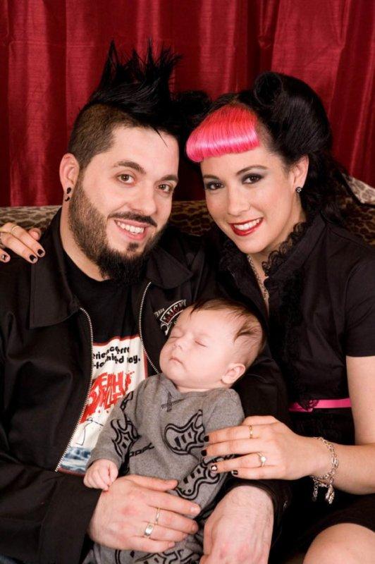 Destin Pfaff with his wife Rachel Federoff and his son Sin