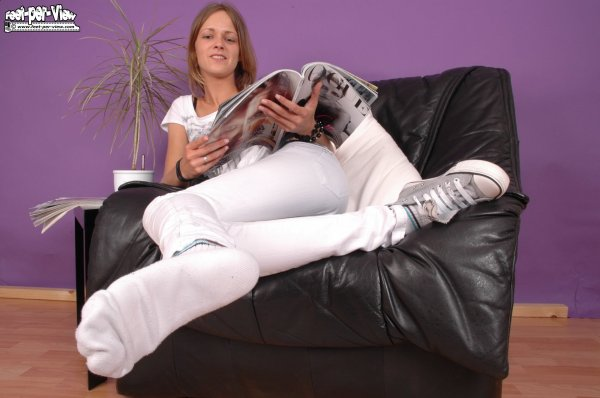 hum !!de belle chaussette blanches