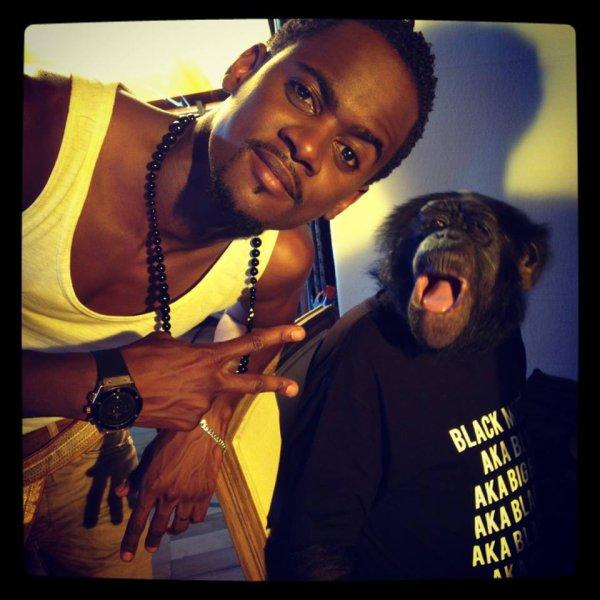 """Black M et Tibi le singe du clip """"Ailleurs"""""""