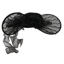 Chapeux noir a larges bords