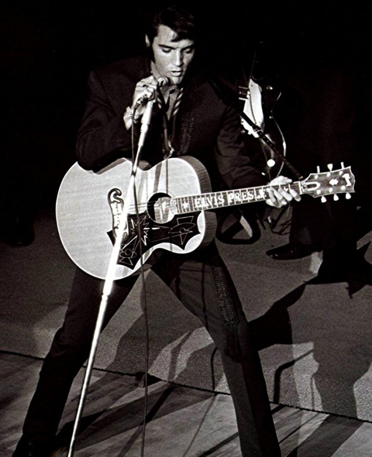 Elvis : That's the way it is & Elvis on tour