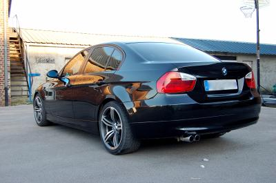 bmw 320d e90 relooking mets les gaz. Black Bedroom Furniture Sets. Home Design Ideas