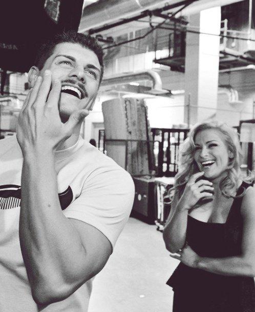 WWE : CODY & NATALYA