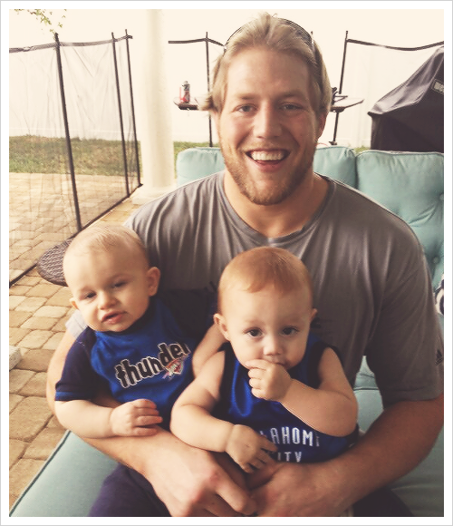 WWE : JACK SWAGGER & SES PETITS BOUCHONS !