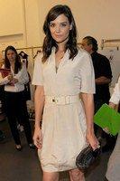Katie Holmes au défilé Calvin Klein