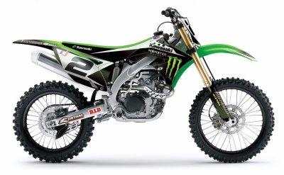 moto equiper monster