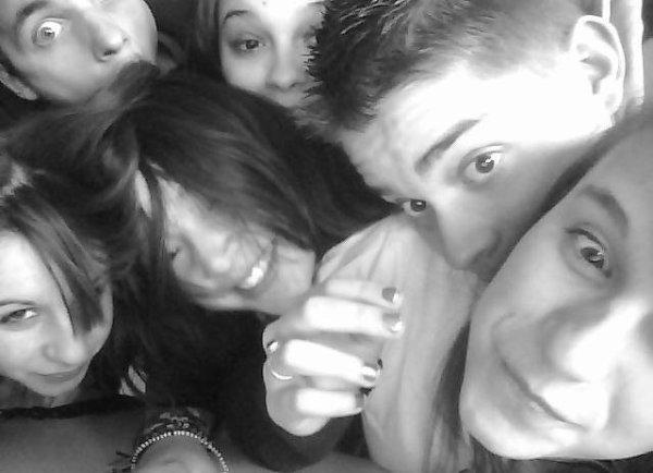 Les Amis. ♥