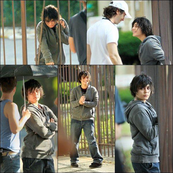 """_______________________________________________________________________________________14.07.2011: Vanessa était sur le tournage de son nouveau film """" Gimme Shelter """".  + Je trouve qu'elle incarne un personnage trés choquant, les photos la montre comme grosse et moche, le contraire de ce qu'elle es. J'ai hate de voir qu'est ce que ce film va nous revelez.  _______________________________________________________________________________________"""