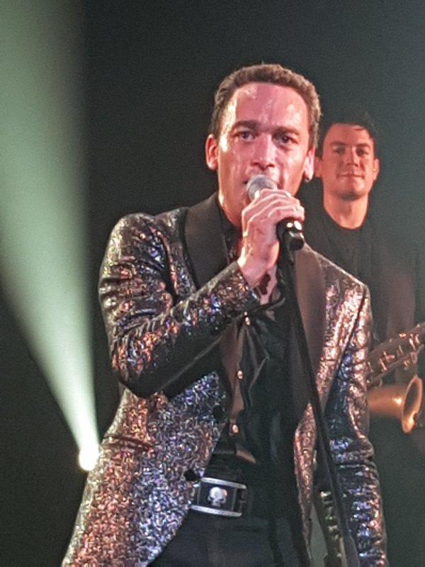 Jean-Baptiste Guegan - La voix de Johnny en concert au Forum de Liège