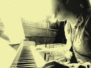 I just wanna play my music !
