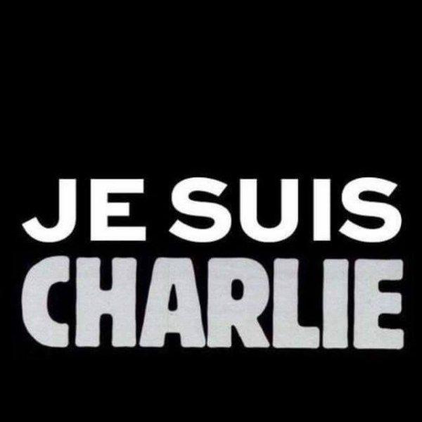 Une pensée aux victimes du massacre ayant eu lieu à Charlie Hebdo ce matin.