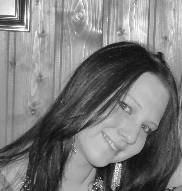 ...C'est parfois dans un regard......Dans un sourire......Que sont cachés les mots......Que l'on a jamais su dire...
