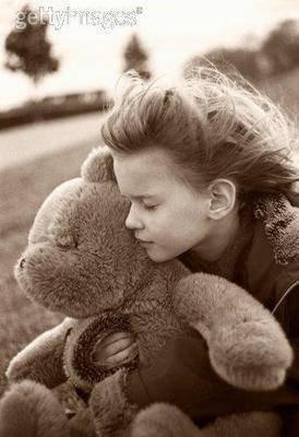 «Sous ses airs d'innocente petite fille à papa se cachent des peines immenses et des tempêtes de froid que personne ne voit.»