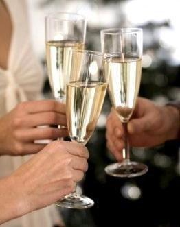 « Ceci est un toast à nous : Pour l'homme qui nous a, pour les loosers qui nous avaient, et les chanceux qui nous auront ! »