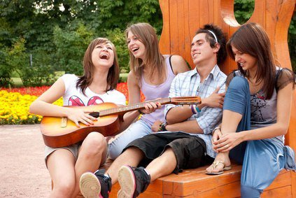 « L'adolescence : vouloir vivre ailleurs, fumer en cachette, pleurer pour rien, rire à se pisser dessus, répondre au parents, et rêver.. »