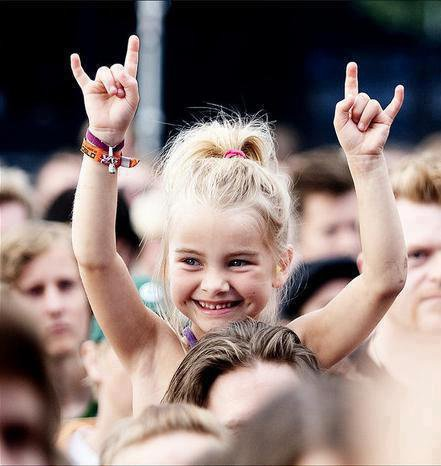 always love this one,pretty metal seed. Keep horns up girl \m/