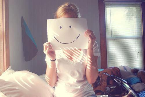 """Les gens qui sourient souvent sont au fond d'eux Les plus tristes #to""""x"""