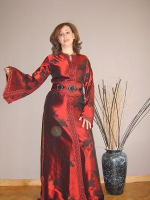 En Rouge Et Noire Caftan Robe De Soiree
