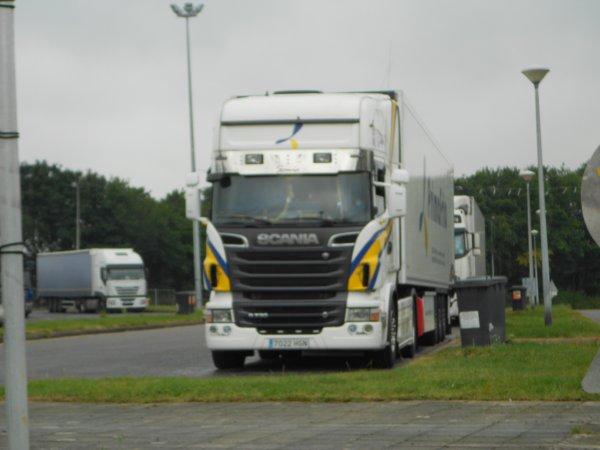Un petit mix de camions :)