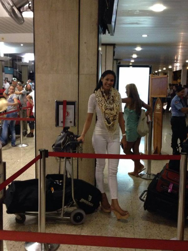 Le départ de Miss Tahiti !