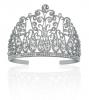 Aventure Miss France : Découvrez la couronne, la robe du finale et la tenue des 12 !