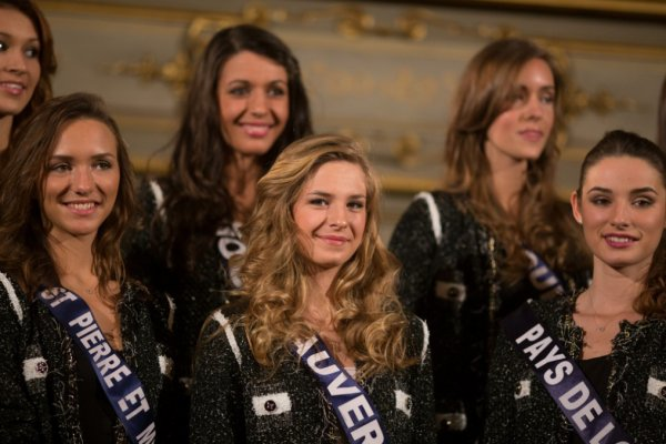Aventure Miss France : Les Miss reçues par le maire de Dijon